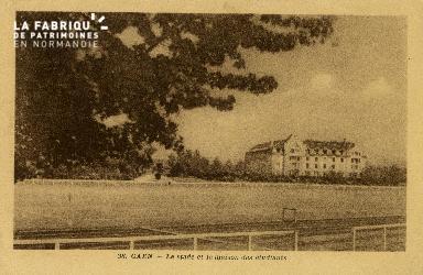 Cl 08 119 Caen le Stade Hélitas et la Maison des Etudiants
