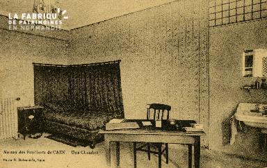 Cl 08 124 Caen la Maison des Etudiants une Chambre