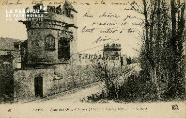 Cl 08 216 Caen Tour des Gens d'Armes (XVIè s.) ancien Manoir de Nollen