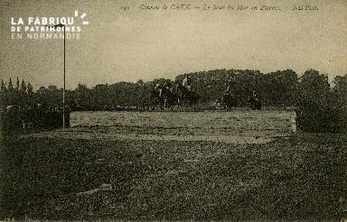 Cl 08 309 Caen Courses de Caen le Saut du Mur en Pierres
