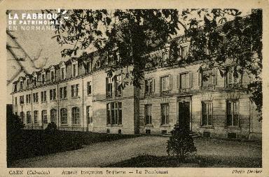 Cl 08 346 Caen Annexe Déposant : Déposant : institution St Pierre le Pensionnat
