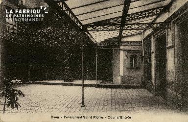 Cl 08 354 Caen Pensionnat St Pierre Cour d'Entrée