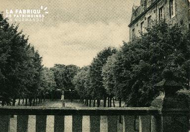 Cl 08 370 Caen Déposant : Déposant : institution St Joseph une Cour de Récréation