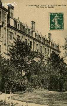 Cl 08 383 Caen Pensionnat St Joseph un coin de Jardin