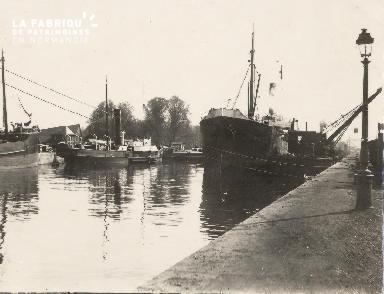 Port de Caen 3- Bateaux à quai