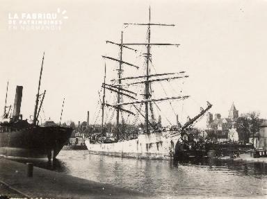 Port de Caen 4- Bateaux à quai