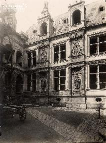 Hôtel d'Escoville 1