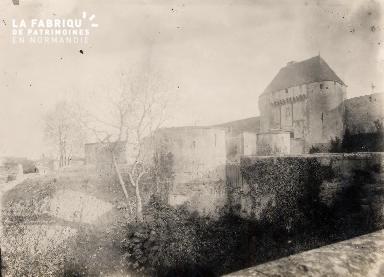 Château- Remparts et abords-