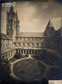 Cour Abbaye aux Dames - 4A