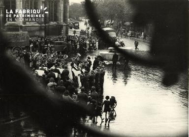7 juillet 1940 musique militaire allemande place St Pierre 001