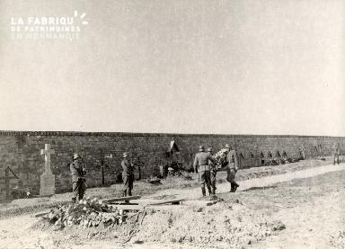 troupe d'occupation au cimetière 001