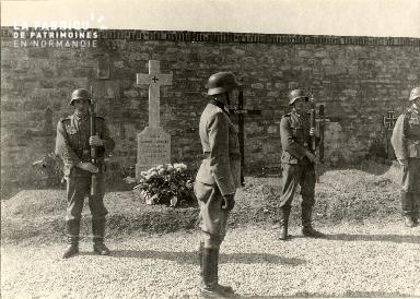 troupe d'occupation au cimetière 003