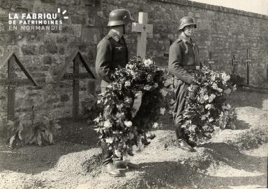 troupe d'occupation au cimetière 004