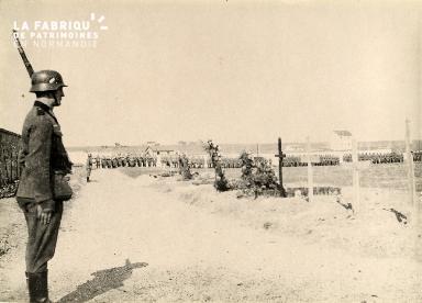troupe d'occupation au cimetière 017
