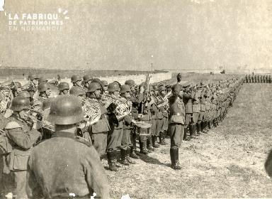 troupe d'occupation au cimetière 019