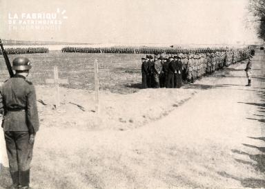 troupe d'occupation au cimetière 020