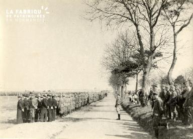 troupe d'occupation au cimetière 026