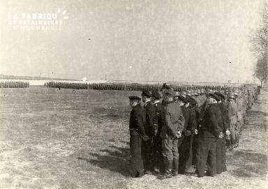 troupe d'occupation au cimetière 028