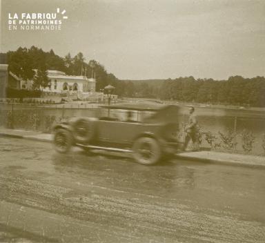 Bagnole, le lac, 1928