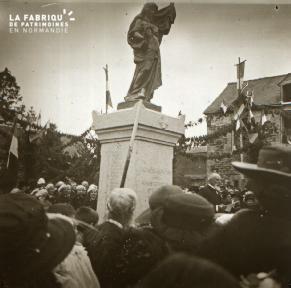 La Chapelle Moch Inauguration du monument