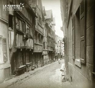 Lisieux, rue aux fèves 2