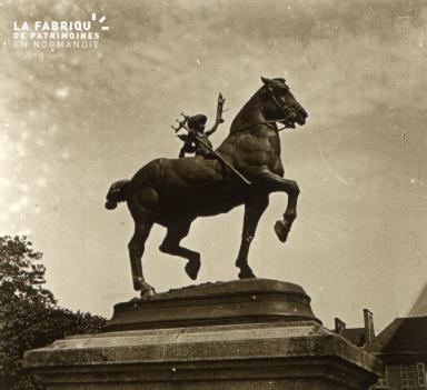 Mortagne Statue du jardin public