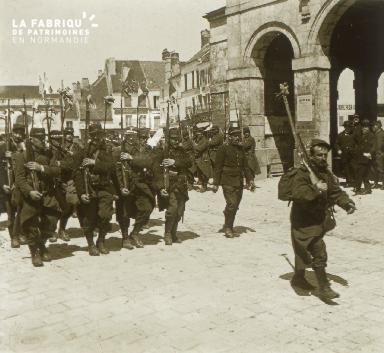 Mortagne, départ sur le front, 1915