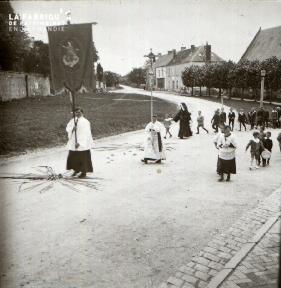 Pervenchère Procession 1920 10