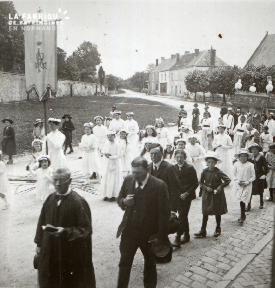 Pervenchère Procession 1920 11