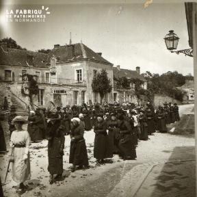Pervenchère Procession 1920 16