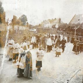 Pervenchère Procession 1920 5