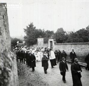 Pervenchère Procession 1920 6