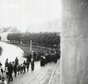 Pervenchère Procession 1920 8