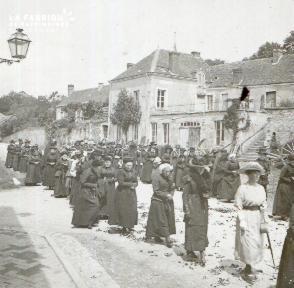 Pervenchère Procession 1920