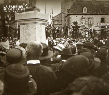 Pervenchères Inauguration du monument 1922 4