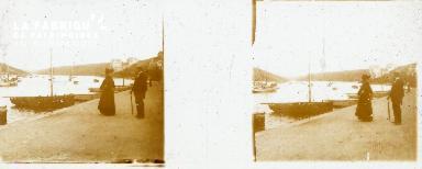 B001 Sur le quai