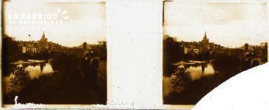 B002 Ambrières, le bas du bourg
