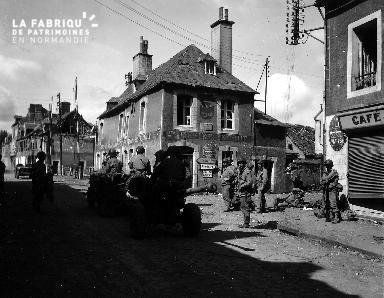 Scène de rue à Carentan