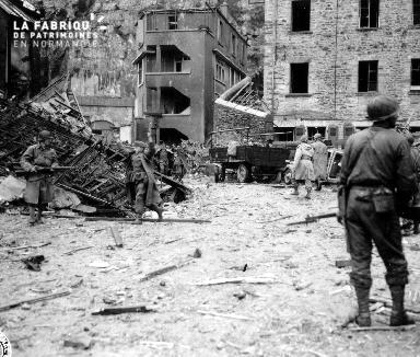 Prisonnier allemand se rendant aux alliés
