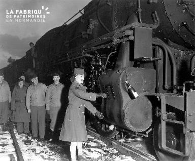 Baptême de la locomotive USATC Standard-gauge 2-8-0 S160