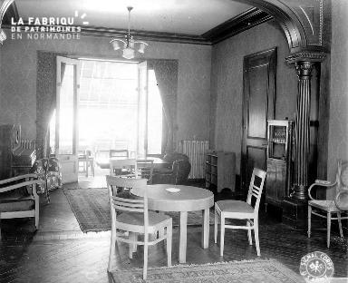 Intérieur de la villa Maurice : salon
