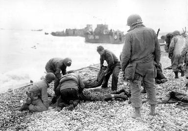 Sauvetage des blessés à Omaha Beach