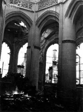 Intérieur d'une église à Falaise
