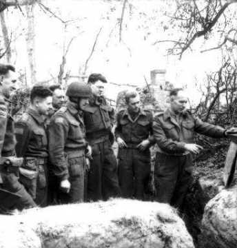 Portrait de soldats canadiens à Caen