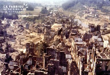 Saint-Lô, en ruine