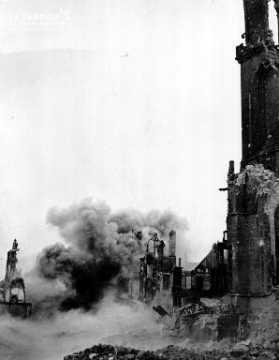 Effondrement d'un immeuble bombardé