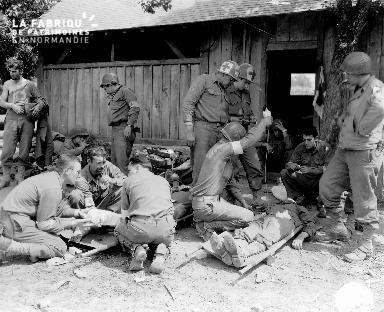 Secours apportés aux soldats blessés