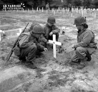 Recueillement de soldats américains