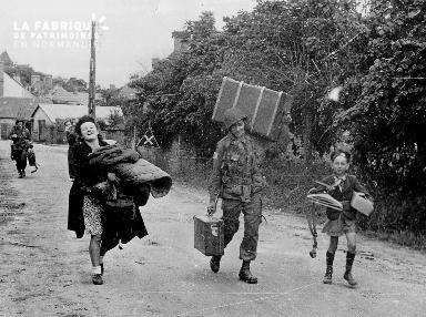 Aide des soldats américains aux civils