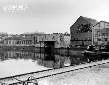 Bunker allemand sur le port de Cherbourg